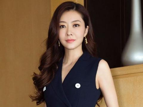 熊黛林嫁百亿豪门,自曝不用追生儿子,港媒:是不是你难怀孕?