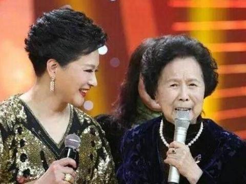 """86版《西游记》导演杨洁去世近两年后,""""白骨精""""杨春霞发声了"""