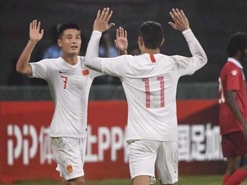 国足史上最强11人阵容:亚洲球王领衔,艾克森在列,现役2人