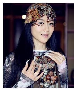 杨丽萍当众拍桌子,金星也很无语,她的毒舌一出场面一度失控