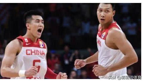 """""""中国男篮结束世界杯赛程,为什么易建联没有随队返回北京?"""""""