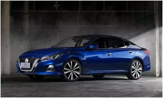 买新车都爽,但对厂商而言,每一次推出新车都有丢饭碗的风险