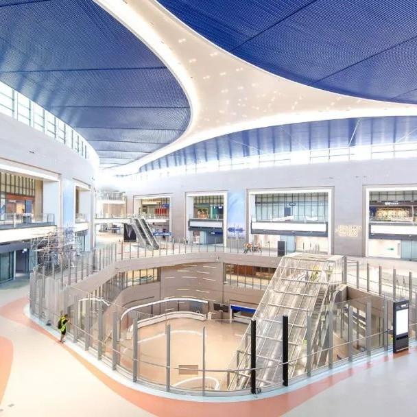 浦东机场有了新玩法!卫星厅、捷运启用,米其林餐厅、新免税店开张