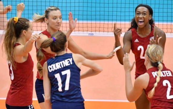 美国女排3-0完胜荷兰收获4连胜,中美女排将迎来巅峰之战