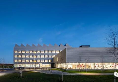 从瑞典的宜家总部大楼,看建筑最佳的防晒效果设计