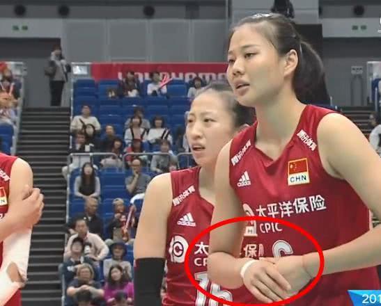 中国女排3:0多米尼加!龚翔宇手指受伤,郎平为何轮休曾春蕾?
