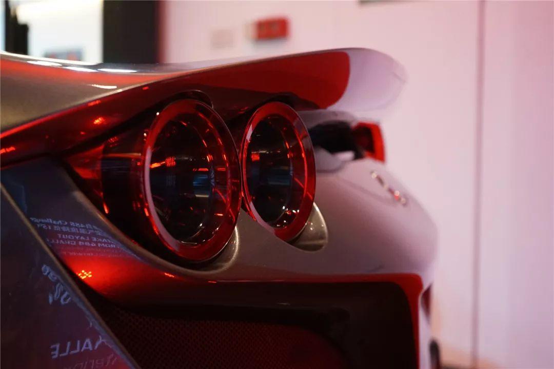 F8 Tributo会是法拉利最后的V8中置跑车吗?| 车评