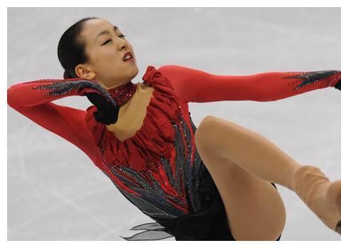 日本花滑女神,被赞冰上公主,因发育过盛退役,今下海成一线明星