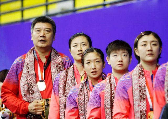 国乒教父现身亚锦赛,李隼哈腰笑脸相迎,如今职位仍比刘国梁高