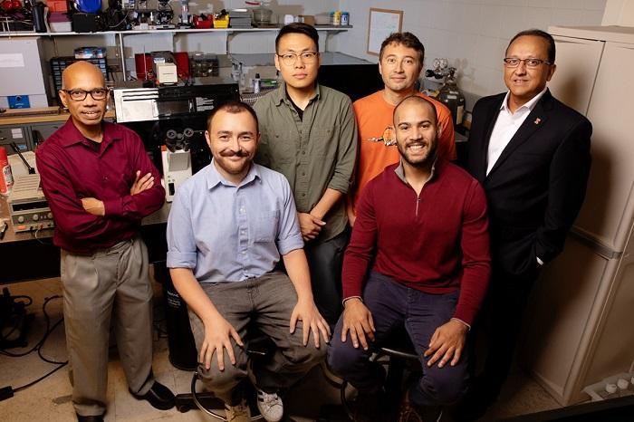 科学家用神经元和光致肌肉组织打造新型生物机器人