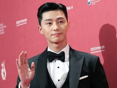 朴叙俊特别出演《寄生虫》, 与多年好友崔宇植再度合作