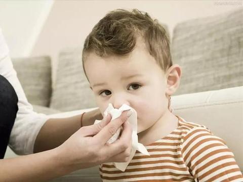 宝宝鼻塞就是感冒了吗?学会这3招,轻松应对宝宝鼻塞问题