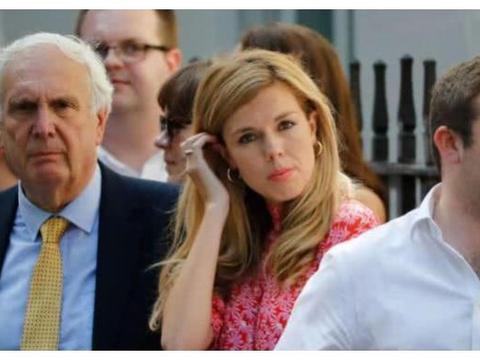 英国首相女友和凯特王妃多次撞衫却遭碾压,网友:气质差太多
