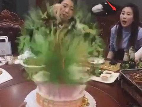 女子过生日,闺蜜送了一个绿色蛋糕,切开之后,想跟闺蜜断了来往