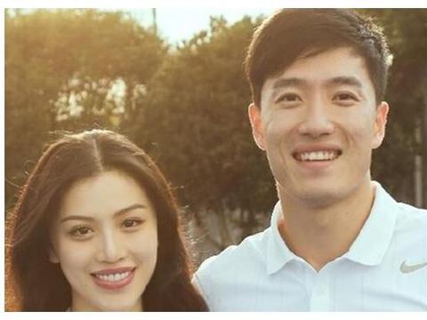 刘翔前妻葛天现身,和母亲穿着亲子装酷似姐妹,哪个是葛天?