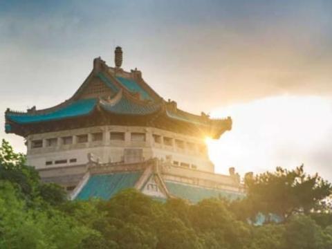 武汉大学为何实力强?培养清华特奖博士,3名院士还是同班同学!