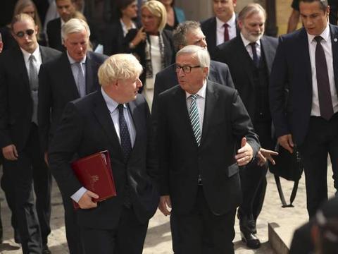 落荒而逃!英国首相记者会搞失踪 卢森堡总理嘲讽:脱欧已成恶梦