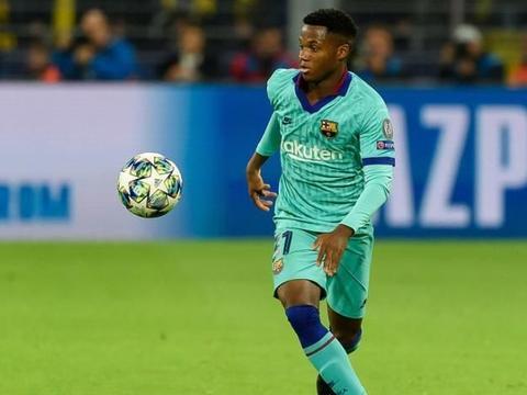 巴萨主帅盛赞梅西 西甲冠军新赛季客场1负2平 一战暴露最大问题