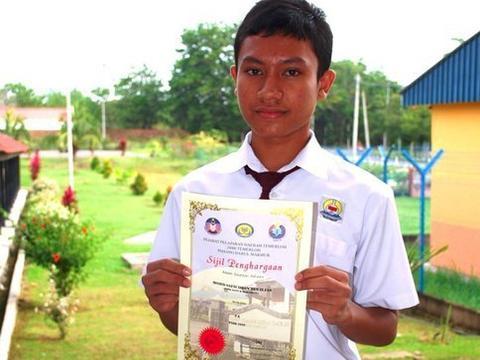 马来西亚男子17岁变性,19岁成百万富翁,22岁又从女变男!