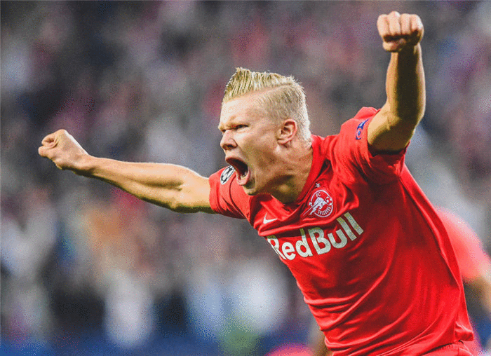 超过50家俱乐部竞争! 19岁超新星红遍欧洲足坛, 曼联赢在了起跑线