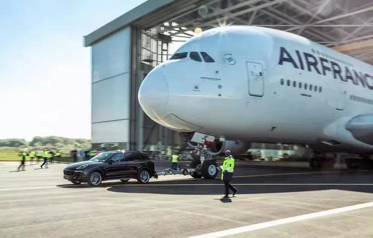 简单又粗暴,不拉个飞机都不敢说自己是SUV