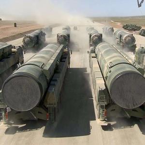 印度称2000枚中国东风导弹不够用?印度吃得住饱和攻击吗?