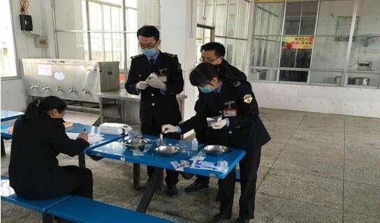 四川:中小学校食堂餐具应当一人一具一用一消毒