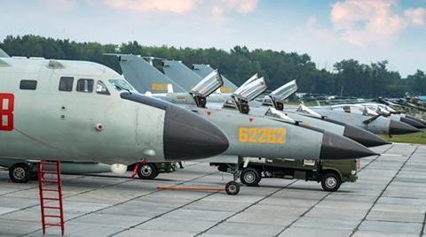 中国空军大批军机国外集结,轰-6K格外吸睛,俄:可发射核武器