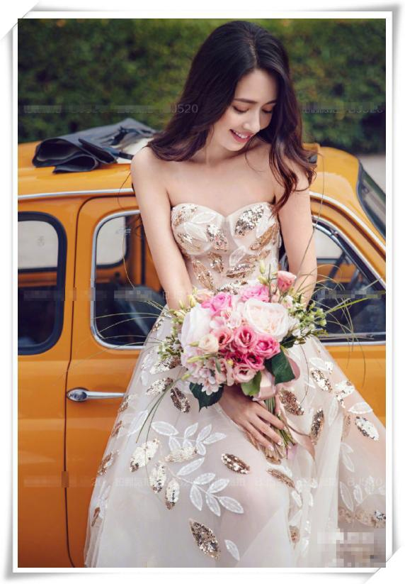 郭碧婷仙气升级!穿婚纱裙配波浪卷发美成人间精灵,向佐娶到了宝