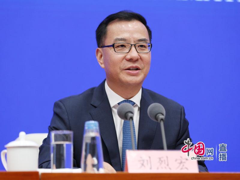客观理性的中国账户遭封禁,国家网信办驳斥脸书推特内容审核