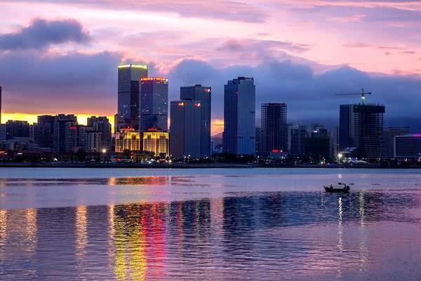 """走进中国最具幸福感城市,被誉为""""东方瑞士""""的青岛"""