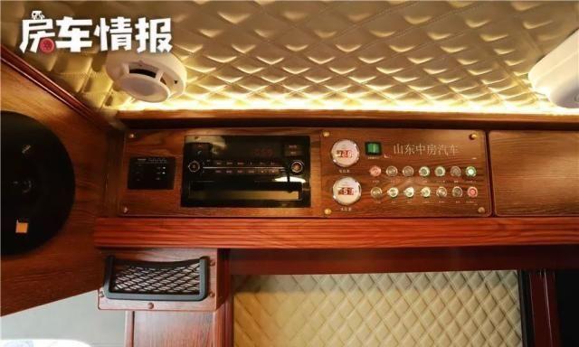 首款可拓展的B型房车,中式内装两米大床能住3-4人,空间是亮点