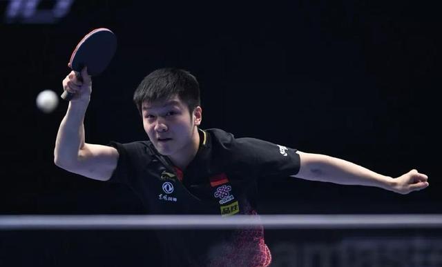男团决赛前刘国梁亲自点拨樊振东 赛程太乱这有1段师徒有趣对话