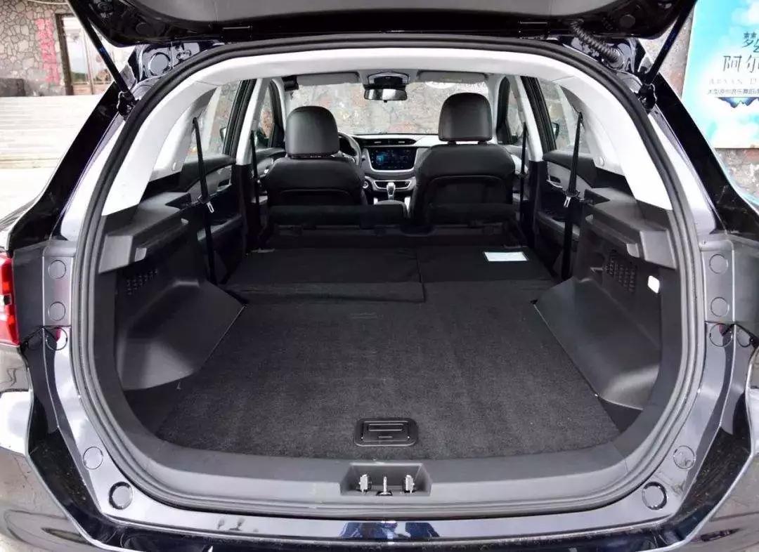 人生必须来一辆SUV,这里有四大理由让你爱上它!
