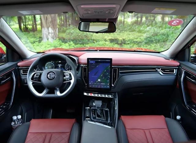 售价6.99万的这款SUV,除了空间大,还有什么卖点?