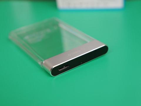 闲置硬盘秒变移动硬盘发挥余热,这款透明硬盘盒真香