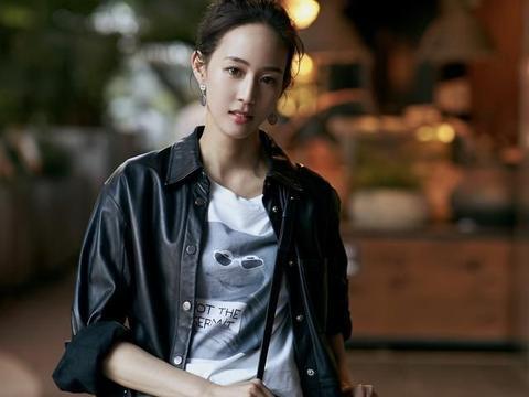 张钧甯一身机车装扮尽显御姐范,却被T恤衫上的图案抢镜