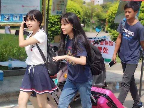 今年最励志的高考状元,688分被北京大学录取,一件事让人泪目