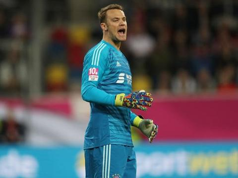 鲁梅尼格称德国足协应该明确表态支持诺伊尔