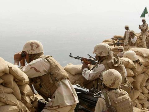 伊朗导弹锁定美军基地,航母战斗群一个也逃不了