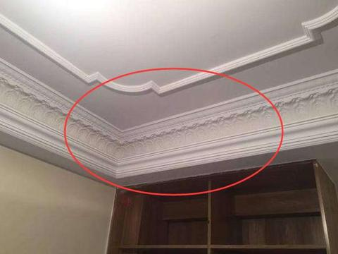 天花板做吊顶太压抑,不做吊顶太单调,倒不如试试用它来代替