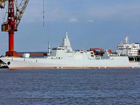 """第五艘055驱逐舰下水,曾经红遍大江南北,如今成了""""过气网红"""""""