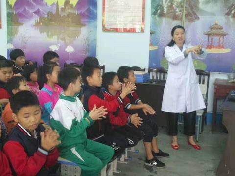 汉阴县涧池镇南河小学举行秋冬季传染病预防知识讲座