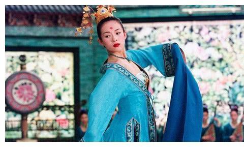 舞蹈演员被赵本山捧红, 成名后拒绝赵本山, 如今享誉世界!