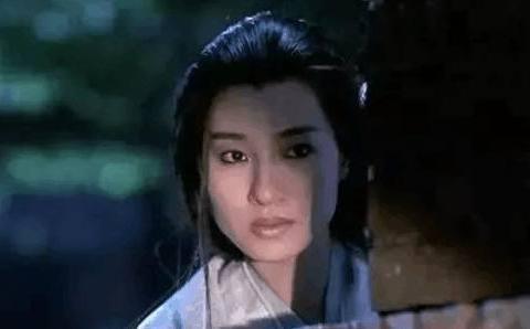 她曾合作林青霞,演女鬼不输王祖贤,如今56岁生活幸福美满!