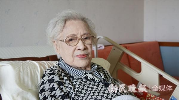 人民艺术家秦怡获颁国家荣誉称号:艺海无涯 美丽依旧