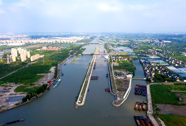 长三角地区最大内河枢纽船闸主体完工