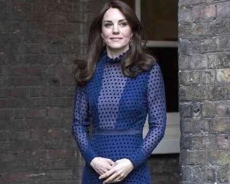 凯特王妃亲民实锤了,zara的服装都能穿出大牌感,气质也是没谁了