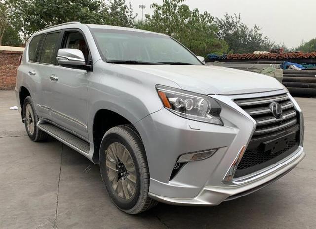 最便宜的雷克萨斯硬派SUV来了,颜值不输大众途锐,售价真接地气