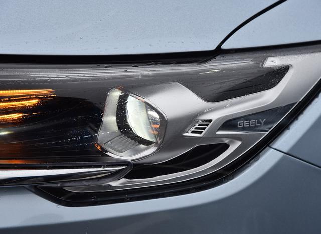 吉利的7座车,有720P画质全景影像,7个USB接口,你知道谁吗?
